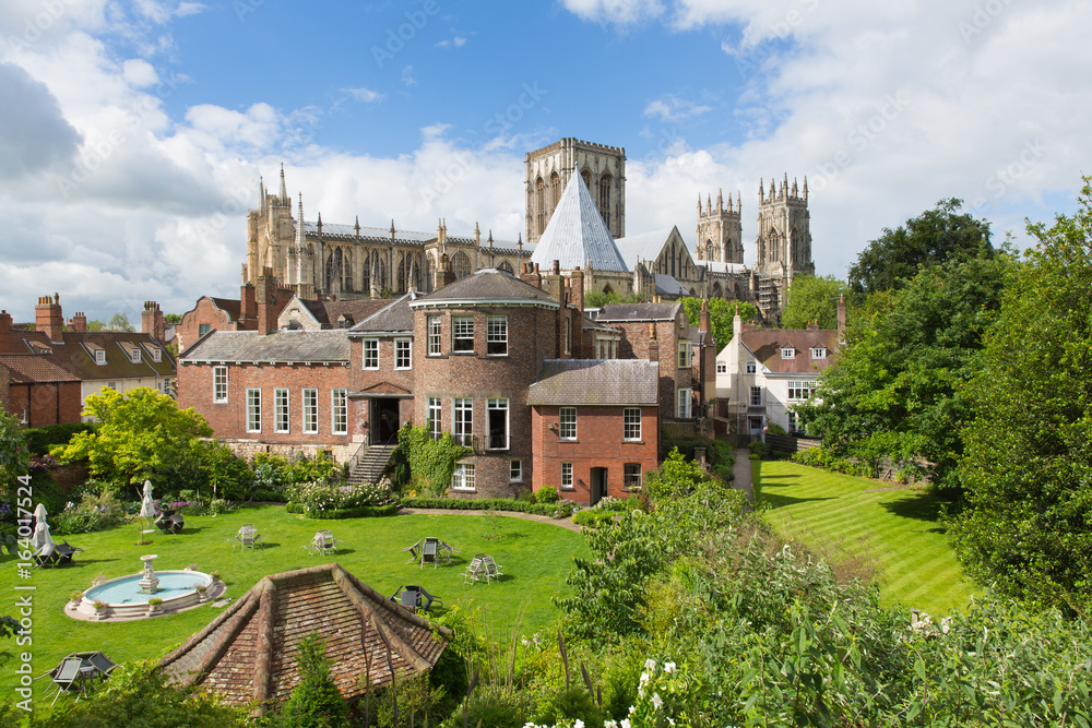 Fototapety, obrazy: York Minster York UK view from rear City Walls of the historic cathedral and tourist attraction
