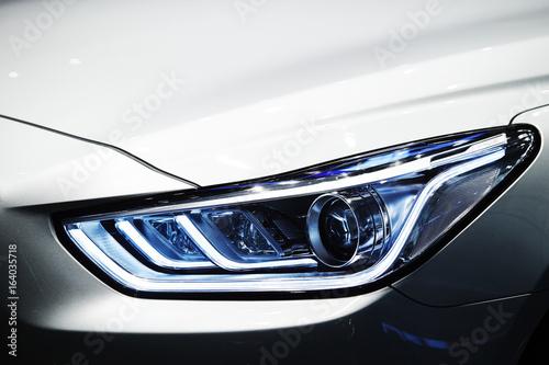 Fototapeta car headlight obraz na płótnie