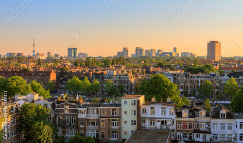 Photo  Beautiful cityscape looking over the city of Amsterdam in the Netherlands