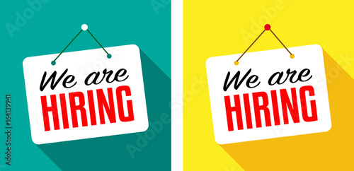 Fotografía  We are hiring / hanging door sign