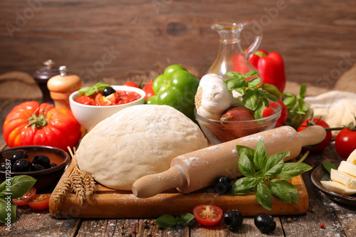 Poster Pays d Asie raw dough pizza with ingredients