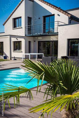 jolie maison contemporaine
