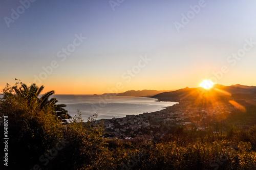 Photo Stunning ligurian coastline at sunset as seen from Borgio Verezzi - Liguria, Italy