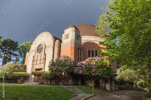 Zdjęcie XXL Żydowska świątynia z pięknym krajobrazem
