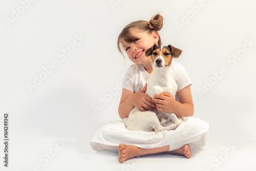 Fotografia  jolie jeune fille et son jack russel