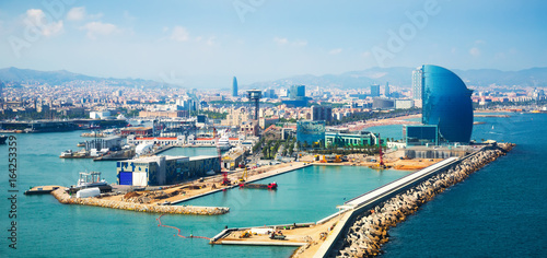 Photo Port Vell and La Barceloneta district  in Barcelona
