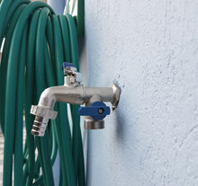Tap Hose Wall