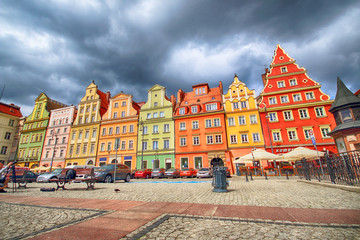 Fototapeta WROCLAW, POLAND - JULY 13, 2017: Wroclaw Old Town. Salt Square. City with one of the most colorful market squares in Europe. Historical capital of Lower Silesia, Poland, Europe.
