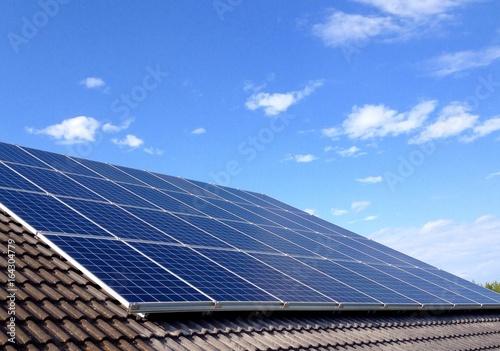 Photovoltaik-Anlage auf Dach