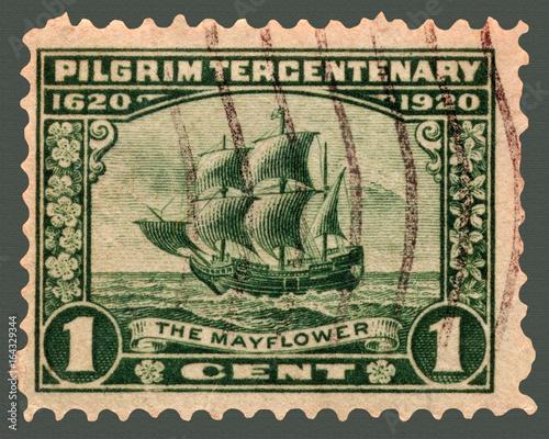 Photo Pilgrim Tricentenary Postage Stamp with Mayflower