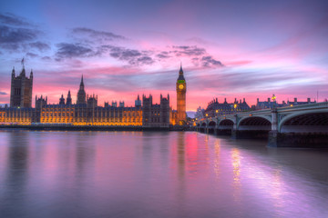 houses of Parliament in a pink sunset