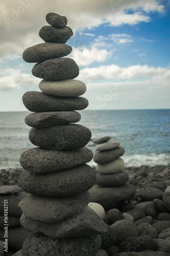 Photo sur Plexiglas Zen pierres a sable beach stones