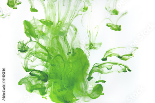 Poster Aquarel Natuur Color paint drops in water. Ink swirling underwater.