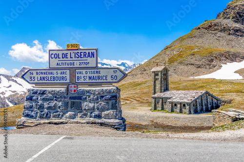 Fényképezés La chapelle du col de l'Iseran dans les Alpes