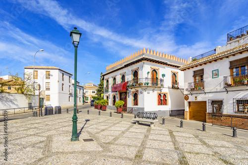 Fotografiet Little square in Albaicin, Granada,Andalusia,Spain