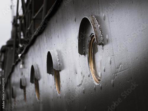 Carta da parati Old circle windows on the Battleship