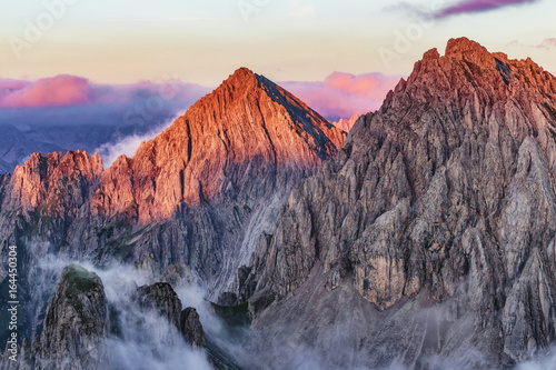 Foto auf Leinwand Gebirge Amazing Mountains. Highlands of the Karwendel in the Alps