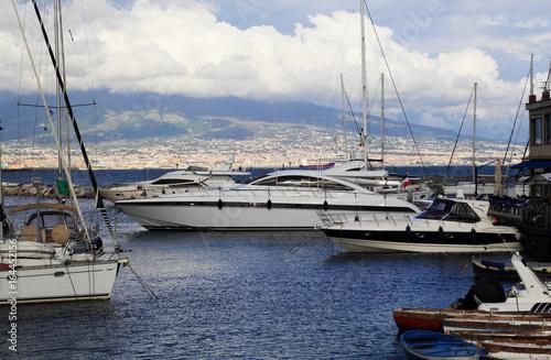 Foto auf Gartenposter Stadt am Wasser Boats