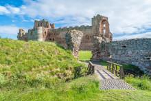 Tantallon Castle, Semi-ruined Mid-14th-century Fortress, Located 5 Kilometres East Of North Berwick, In East Lothian, Scotland.