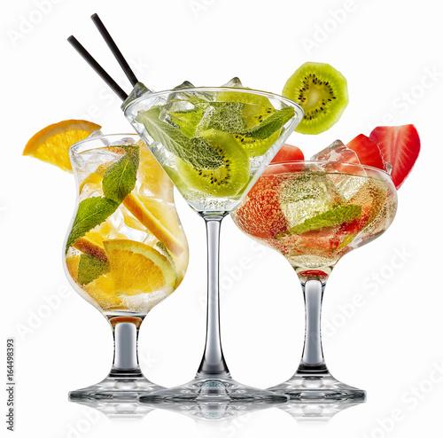 Foto op Canvas In het ijs alcohol cocktail set