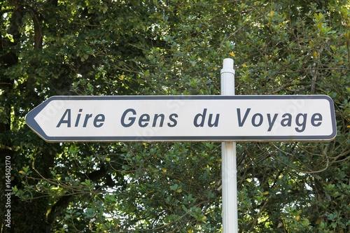 Fotomural Panneau aire gens du voyage