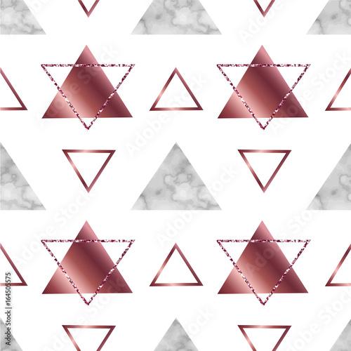 marmur-geometryczny-wzor-lub-tlo-w-modnym-stylu-brokat-metaliczne-tekstury-zlota-roza-gradient-trojkaty-linie-dobre-na-plakat-tapeta-kartka-z-zyczeniami-zaproszenie-na-slub