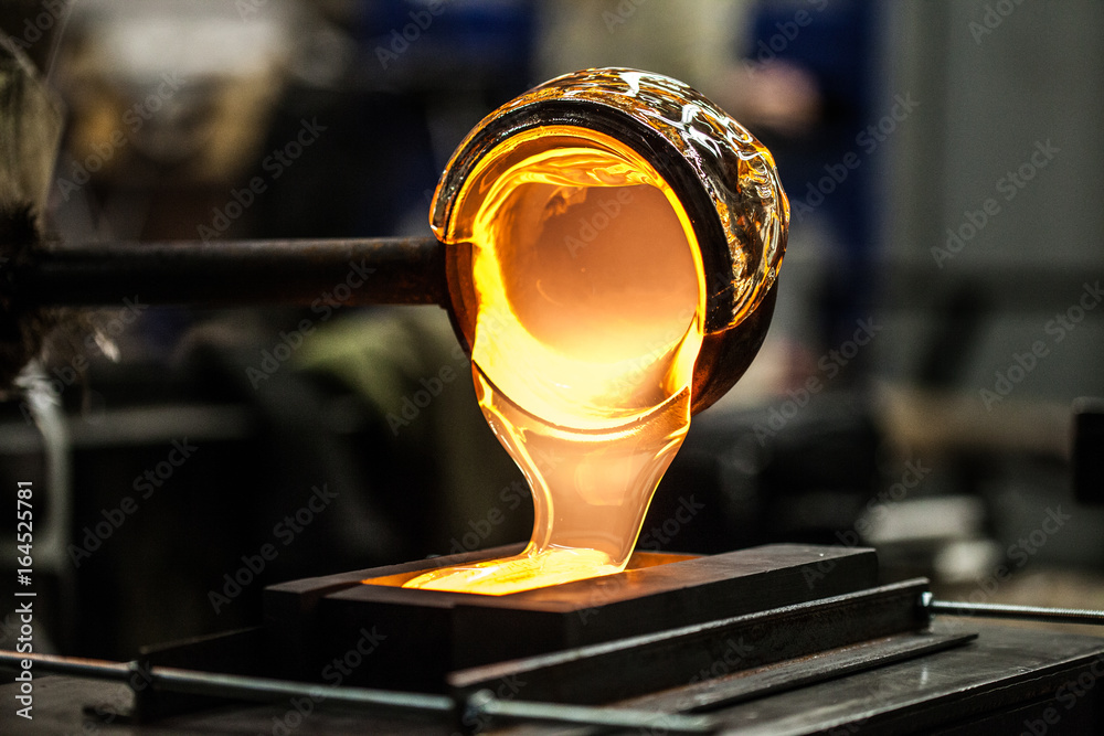 Fototapety, obrazy: Pouring Melted Glass into Graphite Mold