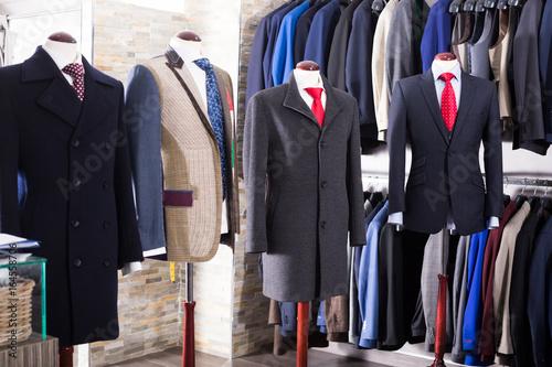 Plakat Wnętrze sklepu męskich ubrań