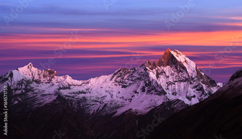Foto op Aluminium Snoeien Mount Machapuchare (Fishtail) at sunset, view from Annapurna Base Camp, Nepal, Himalayas