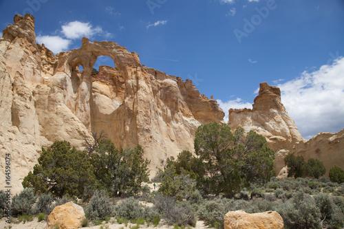 Obraz na plátně View of Grosvenor Arch Utah
