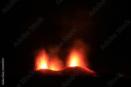 Deurstickers Vulkaan Eruption du piton de la fournaise de juillet 2017