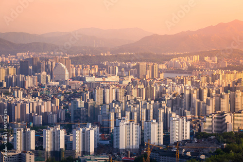Keuken foto achterwand Seoel Seoul city in sunset in downtown Seoul, South Korea.