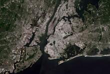 Blick Auf New York City Aus Dem All -  Bild Beinhaltet Modifizierte Copernicus Sentinel Daten (2017)