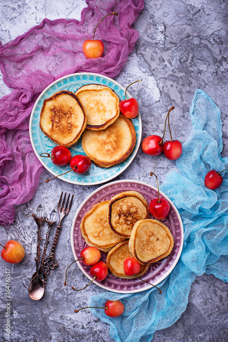 Foto op Aluminium Picknick Pancakes with cherry