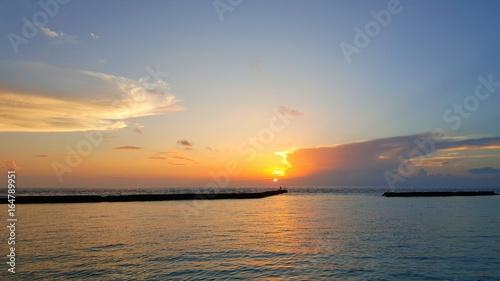 P00879 Maldives beautiful white sandy beach background