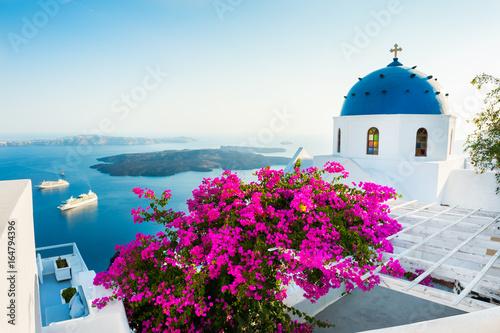 Fototapeta White architecture on Santorini island, Greece. obraz