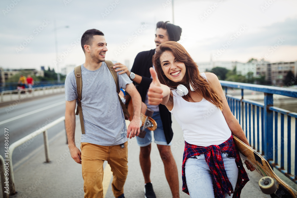 Fototapety, obrazy: Group of happy friends hang out together