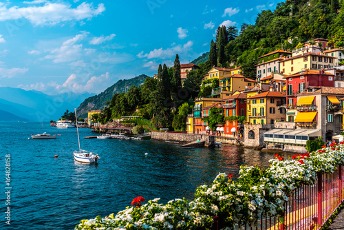 Fotografija Varenna, small town on lake Como, Italy