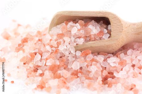 Fotografija  Cucchiaio con sale rosa dell'Himalaya