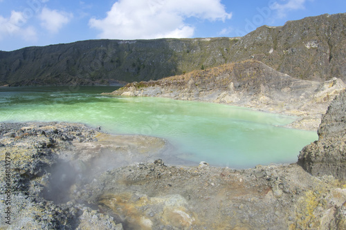 Poster Cote Volcanic crater lake
