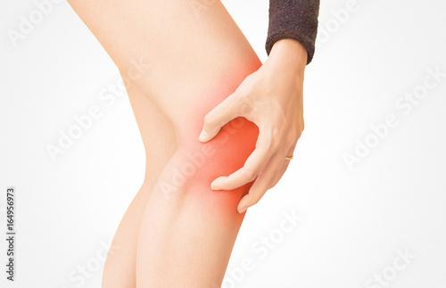 Fotografiet  Gamba con dolore al ginocchio, rossore, stiramento