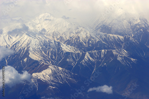 Papiers peints Beige mountains with snow on top