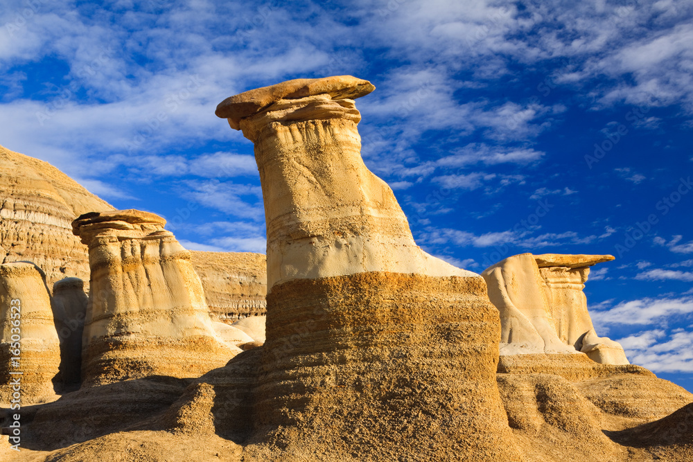 Fotografía Hoodoos in the badlands near Drumheller, Alberta, Canada ...