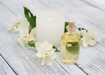 Obraz na płótnie Canvas Spa concept with jasmine flowers