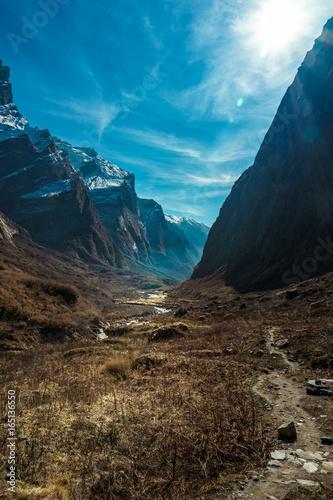 dolina-mt-annapurna-nepalu