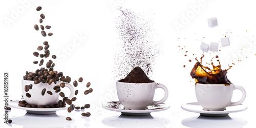 Crédence de cuisine en verre imprimé Salle de cafe preparazione del caffè in sequenza dal chicco alla tazzina