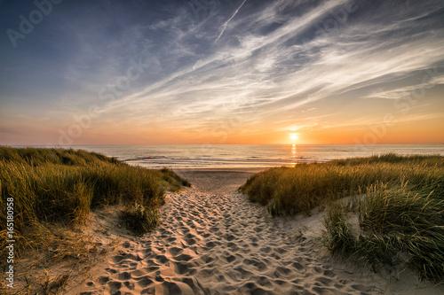 Zdjęcie XXL Ścieżka do plaży w zachodzie słońca