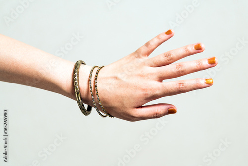 Slika na platnu 腕輪をつけた女性