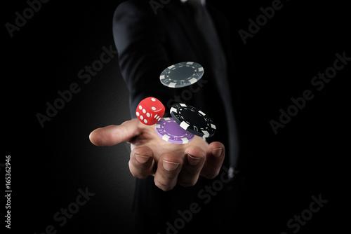 Fotografía  Gambler makes his bet