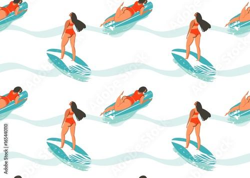 Materiał do szycia Ręka wektor ciągnione streszczenie czas letni wzór z surferów dziewczyna w bikini, desek surfingowych i Oceanu fale tekstury na białym tle
